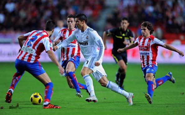Ronaldo VS 3 #Soccer #Futball # Football #RealMadrid: Ronaldo Photos