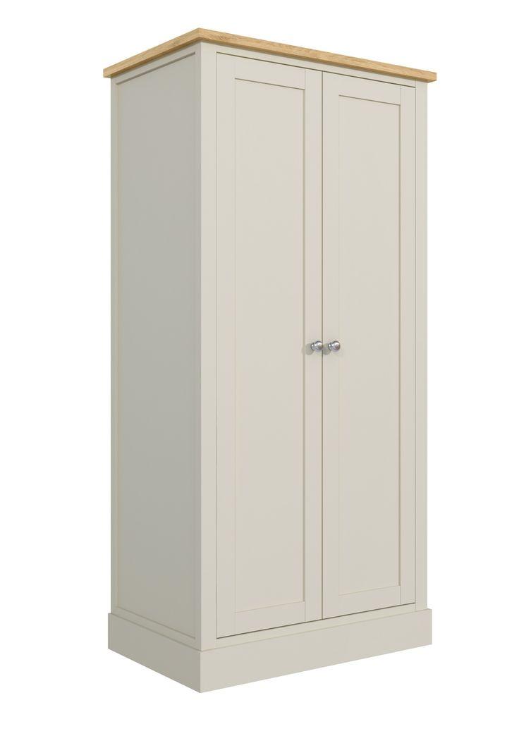 Szafa dwudrzwiowa 72 - Wspaniała i pojemna szafa do sypialni. Ta 2 drzwiowa szafa z rodziny mebli FLORENCE, w wyjątkowo udany sposób łączy gustowny, prowansalski styl z wysoką funkcjonalnością i praktycznością. Ustawiona w sypialni przy państwa łóżku będzie sprawiała niezwykłe wrażenie.