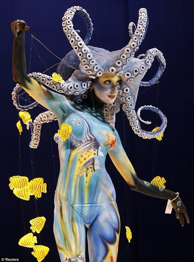 Resultado de imagen de carnival fish costume