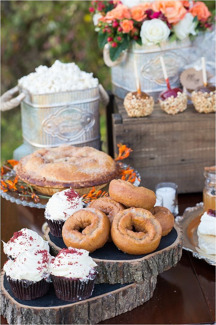 fall wedding desserts
