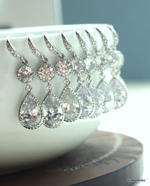 Set of 4 Bridesmaid Earrings! Absolutely love!