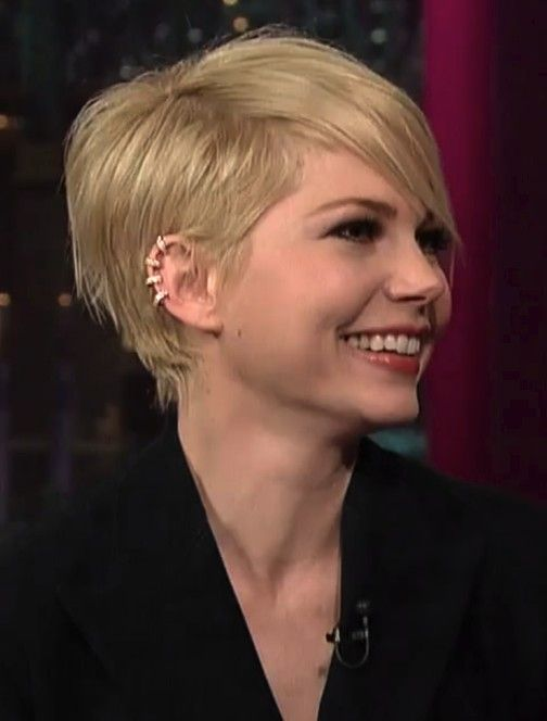 2014 Michelle Williams' Short Hairstyles: Pixie Haircut with Side Bangs