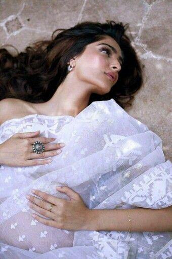 Sonam Kapoor in white dhakai jamdani saree