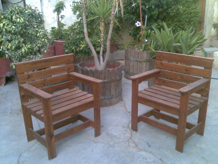 sillon trona realizado con madera de palets usados especial para ambientes de terraza y