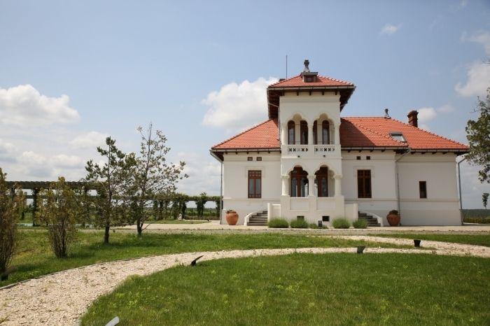AVINCIS – Vila Dobrușa, Oltenia