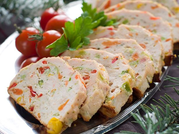 Recette Terrine de dinde aux petits légumes Thermomix Ingrédients ( 6 personnes) – 500 g filet de dinde – 33 cl Fleurette – 150 g carotte – 200 g courgettes – jus d'1 citron – 3 cs huile d'olive – 1 cs moutarde à l'ancienne – sel – poivre Préparation Préchauffer le four th.120°C. Couper …