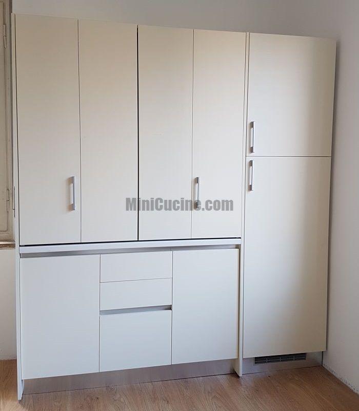 Mini Cucina a scomparsa con colonna frigo e dispensa