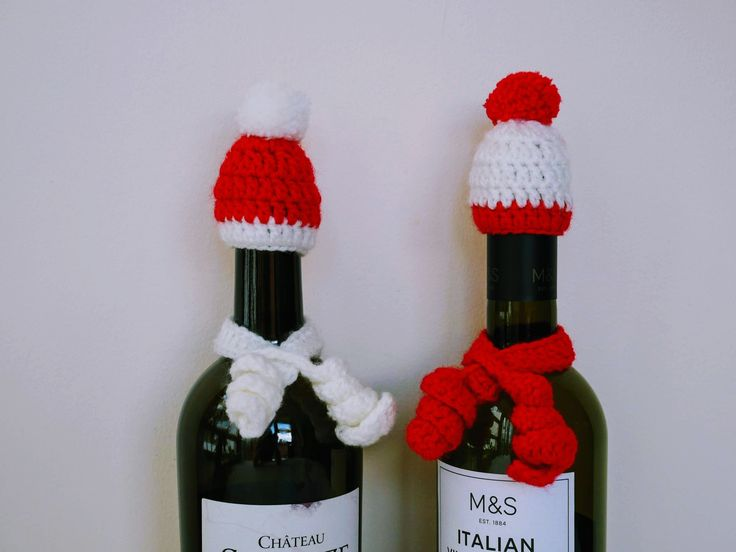 bottle topper knit An easy pattern for crocheted miniature Xmas hat with pompom and spiral scarf for wine bottle tutorial for beginners