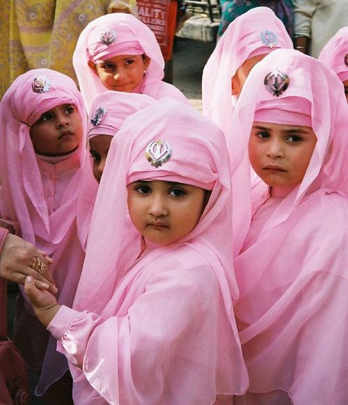 Adorable Sikh girls :)