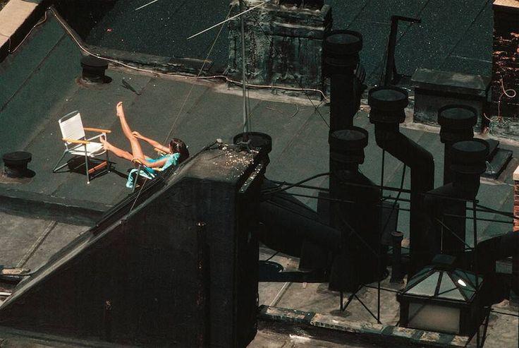 O dia-a-dia surrealista de NY em 1983 .  Thomas Hoepker