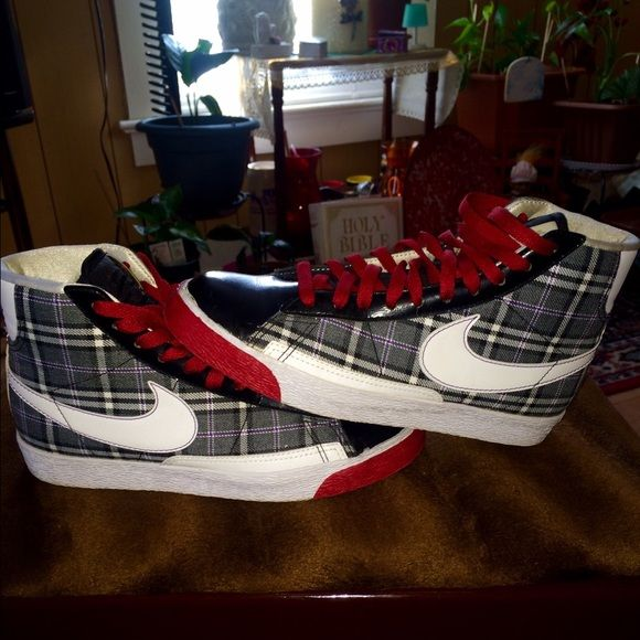 NIKE HI TOP PLAID SNEAKERS(LIKE NEW)SIZE. 7.5!! THESE ARE LADIES SNEAKERS. MED FIT WITH MULTI COLORS OF RED PURPLE WHITE GRAY AND BLACK. THEY ARE SUPER CUTE!! Nike Shoes Athletic Shoes