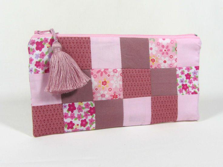 Trousse patchwork rose et fleurs mod le unique fait main by jeannie cr ation la vie en rose - Exemple d album photo fait main ...