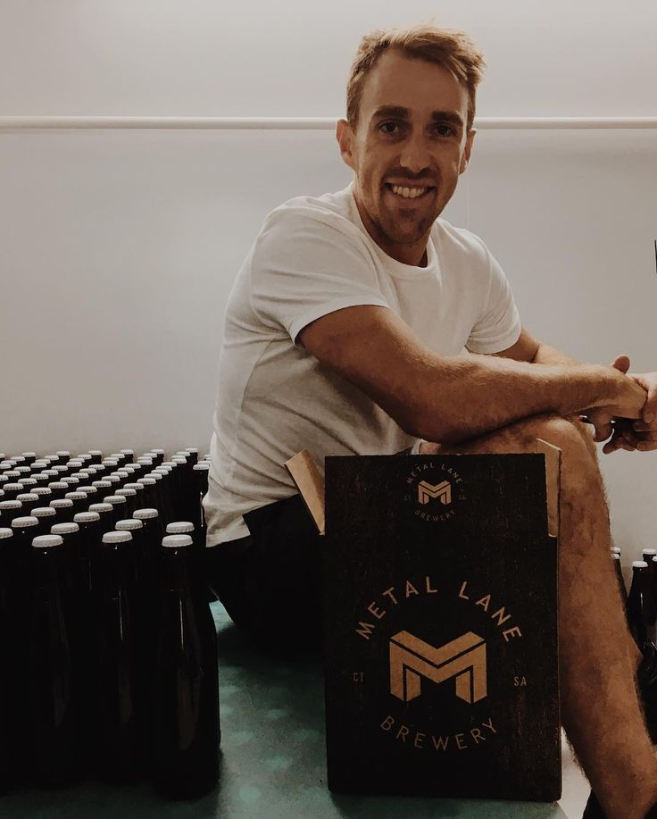 This is @murraymiddleton he owns and runs and brews @metallanebrewery like a champion! I got to chat to him today. There are a few trade secrets I can't let out the bag just yet but here's a guy who knows what he wants knows where he's going and will work and experiment and pursue until he gets there. #drink #beer #hophead #ipa #drinkcraft #drinklocal #craftbeer #capetown #metallanebrewery #vision #brewery #entrepreneur
