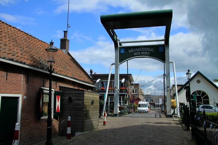 This toll bridge is a moving bridge, it was built in 1651 to facilitate the trade between Woerden and Bodegraven.   A little village established itself around the bridge. Nieuwerbrug means new bridge. It is the only toll bridge in the Netherlands. It costs € 1,00 to pass, but only if the bridge master is there.