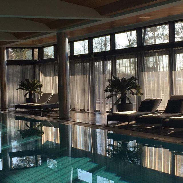 Relax #relax #morningswim #morningsun #långvik #spa #welness #hotel #beautifulmorning #aamuuinnilla #kaunisaamu #langvikhotel http://www.langvik.fi/