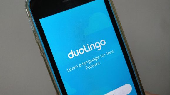 Duolingo now helps you learn Chinese - Online language learning platform Duolingo is finally introducing a course to help English speakers learn Chinese.  The launch comes some six months after Duolingointroduced a Japanese course which along with Chinese was among the companys most requested language courses.