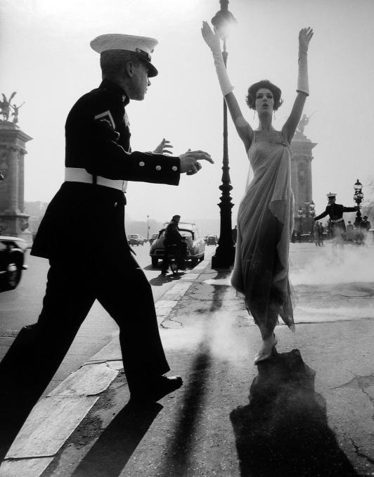 William Klein Photography                                     Pont Alexander III, Paris