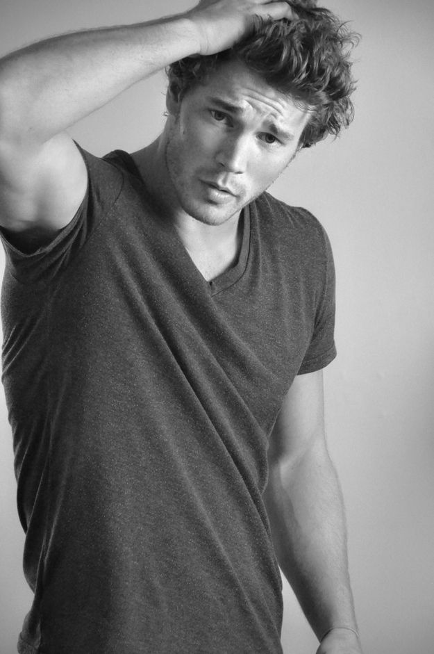 let's face it, he's hot. helloooo derek theler.  Never heard of him but it's time investigate :)