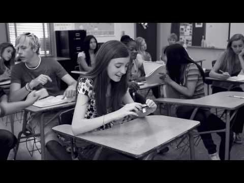 ▶ Hannah Montana - Ordinary Girl - YouTube i was looking at my playlists and i saw this so i decided to watch it and when it came up to this part i noticed RIKER in the back behind the girl with the camera and i am freaking out Repin If you see or think that's Riker 2 =-O