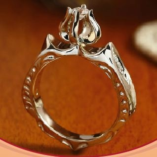 Engagement ring inspired by Hungarian folklore. A real beauty!!!