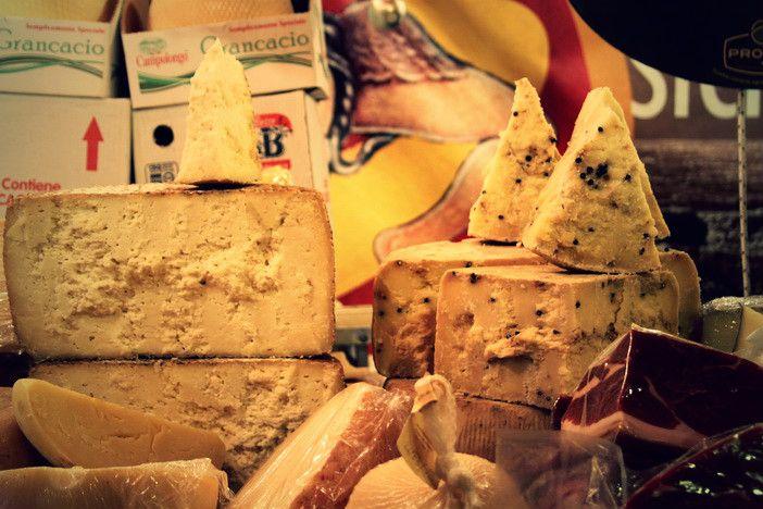Ha a sajtok szerelmese vagy, nálunk a helyed! http://tanfolyamokj.hu/sajtkeszito-tanfolyam/  Előnyök: A gyakorlati képzés költsége benne van az árban, és a gyakorlati helyszínt biztosítja az iskola Ingyenes jegyzetek és tankönyvek Igény szerint többnyelvű bizonyítvány Kamatmentes fix részletfizetési lehetőség  Hétvégi tanfolyam időpontok Magas színvonalú, gyakorlatorientált képzés Profi, türelmes, gyakorlott oktatók   #sajtkeszito #tanfolyam #OKJ