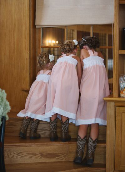 adorable flower gals with cowboy boots | Meg Runion
