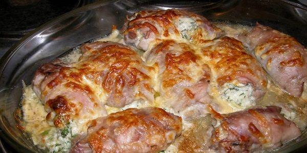 Крученики - мясные рулетики с начинкой ! Рулетики получаются вкусными и ароматными за счет начинки, в которой при жарке сохраняется мясной сок.
