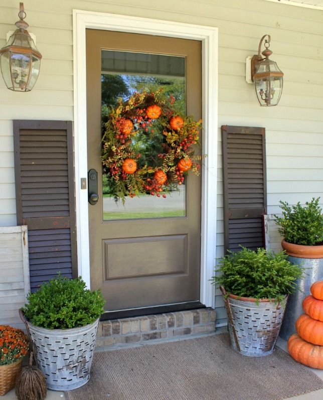 Fall front porch ideas beautiful colors and fall front Beautiful fall front porches