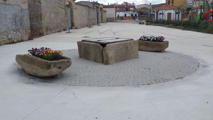 CALERUELA (Toledo) - Pozo y Pilas de piedra.