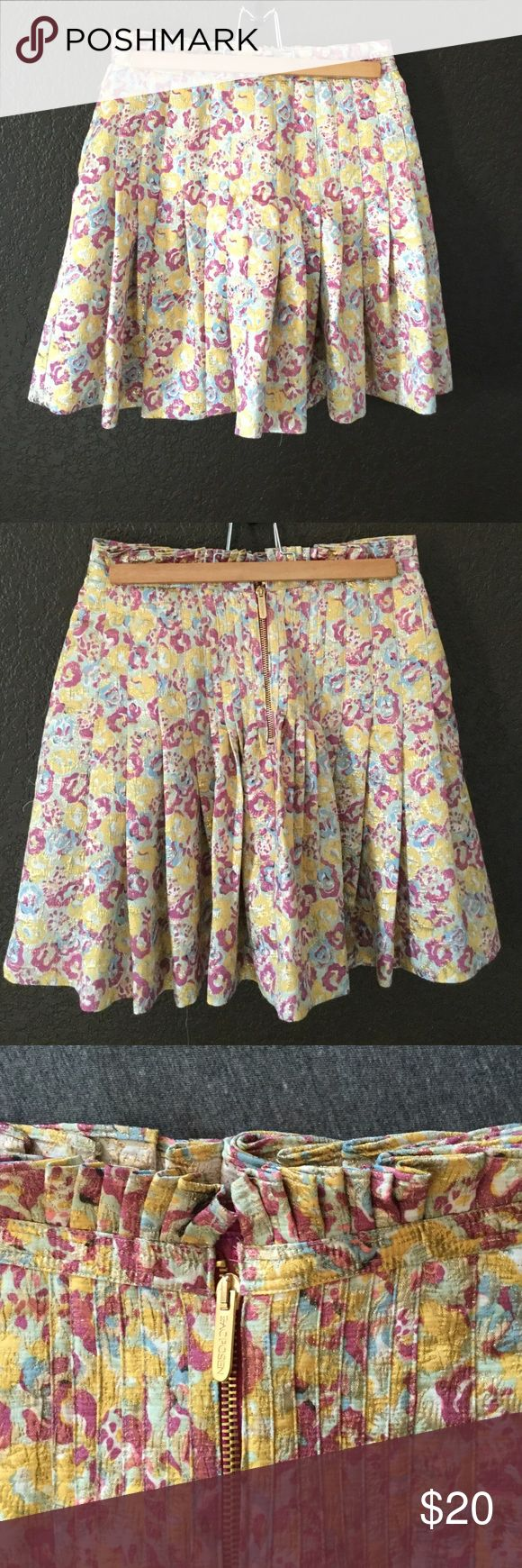 Zac Posen pleated skirt This floral print skirt with metallic accents is perfect for Holliday parties! Lightly worn and used as an Effie Trinket Costume lol. Brand is Zac Posen for Target. Price flexible. Zac Posen Skirts Mini
