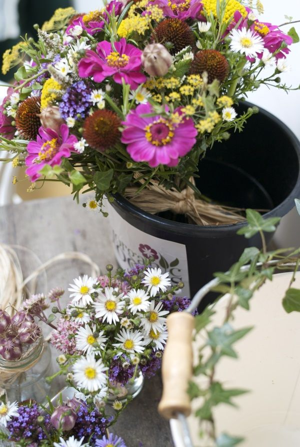 Organic Blooms | British Flowers - Wedding & Event Flowers Gallery