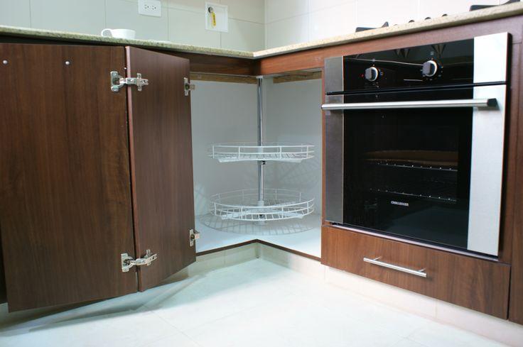 Cocina - Entrepuentes. Mueble inferior con herraje especial- Torno 360º.