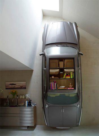 Idee per arredare casa: Riciclate una Jaguar d'epoca per creare una originale libreria