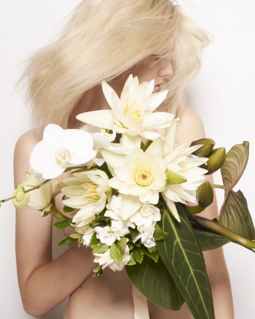 is there anything better than waterlillies, orchids & white roses?