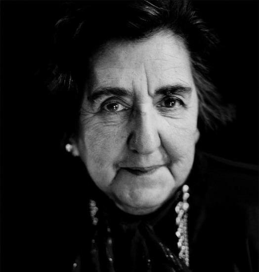 """""""La follia è solo una maggiore acutezza dei sensi"""" ALDA MERINI (1931-2009)"""