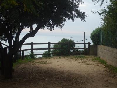 El Masnou, vlakbij Barcelona. eenvoudige camping aan zee, vlakbij een stationnetje, ideaal om Barcelona te bezoeken!