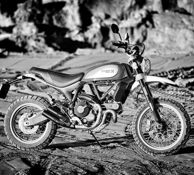 Into the dirt - Desert Sled - The Ducati Scrambler for grown ups #ducati #ducatiscrambler #scramblerducati #ducatiscramblerdesertsled #desertsled #DucatiDS #ducatisouthafrica #landofjoy #italianstyle #ducatista #ducatinsta #ducatisofinstagram #ducatilife #bikelife @ducati_sa @ducati.cape.town