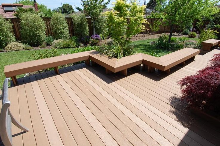 Trex deck and bench built by deck contractor located in cuppertino