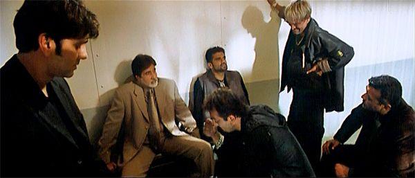 Kumar Gaurav, Amitabh Bachchan, Sanjay Dutt, Suniel Shetty, Mahesh Manjrekar, and Lucky Ali in *Kaante* (2002)   5 Heist Films to Watch If You Are New To Bollywood http://www.fallinginlovewithbollywood.com/2014/04/friday-five-5-heist-films-to-watch-if-you-are-new-to-bollywood.html
