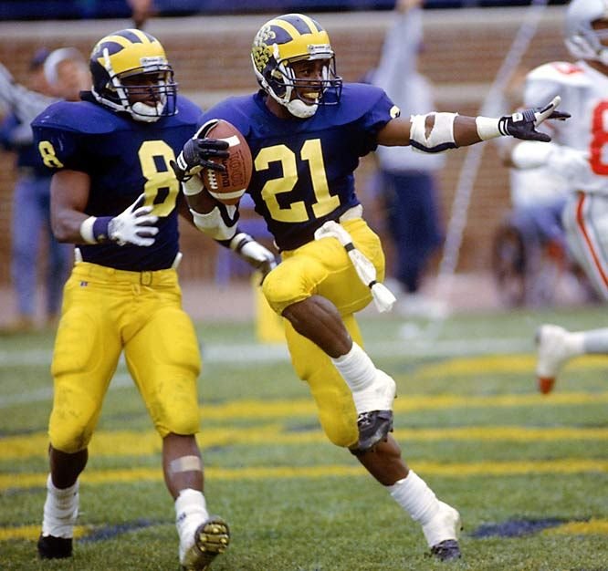 Desmond Howard - Heisman pose