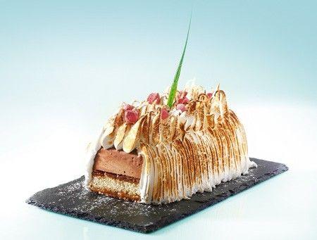 Τούρτα παγωτό σοκολάτα με μαστίχα, τσουρέκι & μαρέγκα