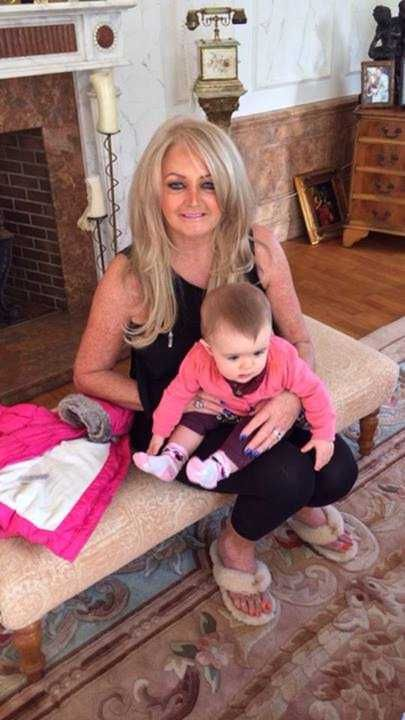 2013 : Bonnie Tyler home (Mumbles) with Maisie : Andrew Hopkins' daughter.     As you already know Andrew is the son of Paul Hopkins who is the brother of Bonnie :)  Bonnie loooves so much her family, her nieces and nephews! She is proud of them!    http://www.the-queen-bonnie-tyler.com/