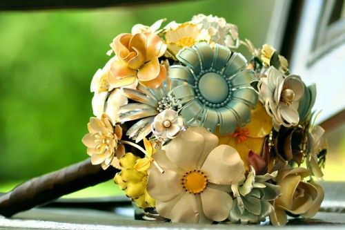 Another gorgeous brooch bouquet