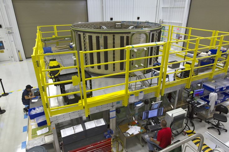 https://flic.kr/p/21R8waT   KSC-20171030-PH_KLS01_0269   A Boeing CST-100 Starliner Service Module is being processed inside the company's Commercial Crew and Cargo Processing Facility at NASA's Kennedy Space Center in Florida. The Starliner will launch astronauts on a United Launch Alliance Atlas V rocket to the International Space Station as part of NASA's Commercial Crew Program. Photo credit: NASA/Kim Shiflett NASA image use policy.