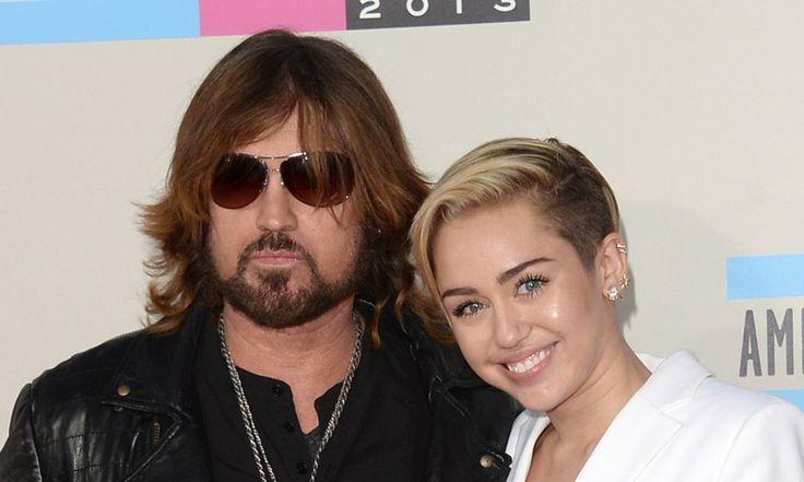 El Papá de Miley Cyrus se ofrece para oficiar la boda de su hija y Liam Hemsworth