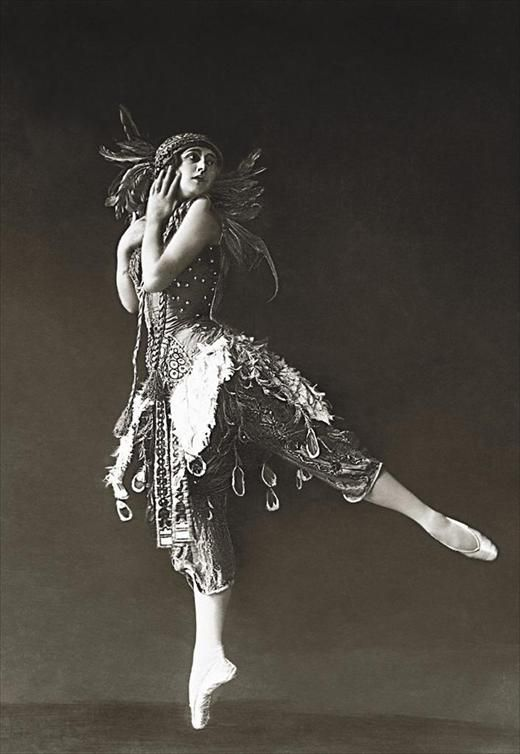 Ballet dancer Tamara Karsavina in Firebird. Ca 1912.