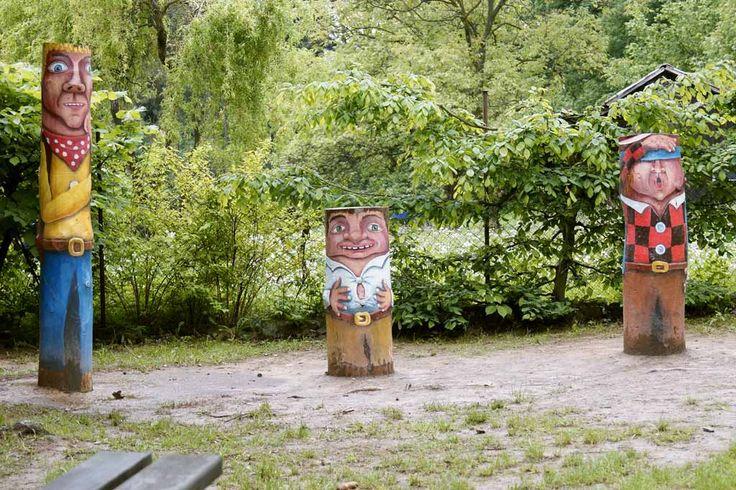 Jedinečný malovaný nábytek, zahradní sochy a dřevěné hračky