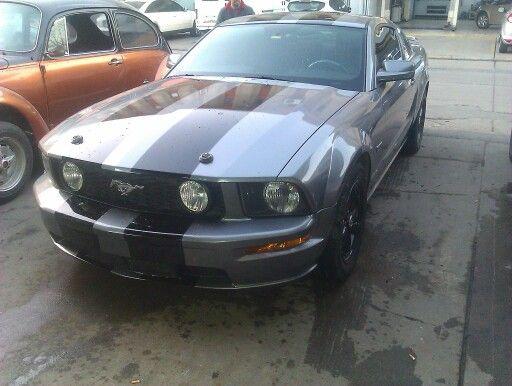 Ford Mustang füme kaplandı siyah şerit yapıldı