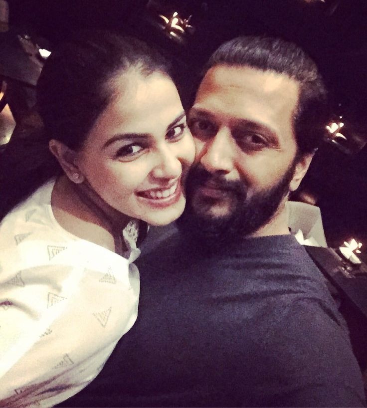 """Riteish Deshmukh on Twitter: """"Happy Birthday Baiko @geneliad - nothing makes me happier than seeing you smile. Have the bestest one. #HBDGenelia https://t.co/PT7GfExh79"""""""