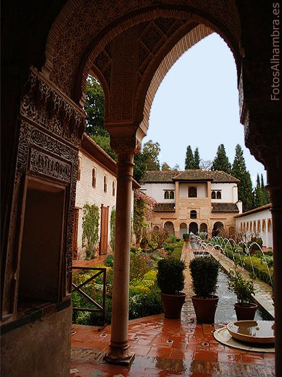 Patio de la Acequia en el Generalife de la Alhambra PRETTY  GARDEN   MAURESQUE  IN  GRENADA  -SPAIN  **+